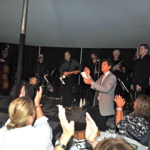 7.Michael Bush & Jonathan Brielle lead the applause for The Brielle Band (2)