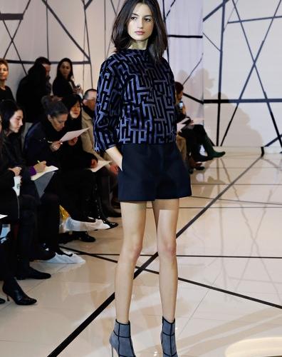 Lisa+Perry+Presentation+Mercedes+Benz+Fashion+NF2r8m3lWtPl