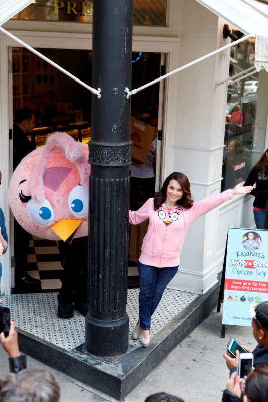 Rosanna and Stella outside The Little Cupcake Bakeshop Angry Birds Youtube Event