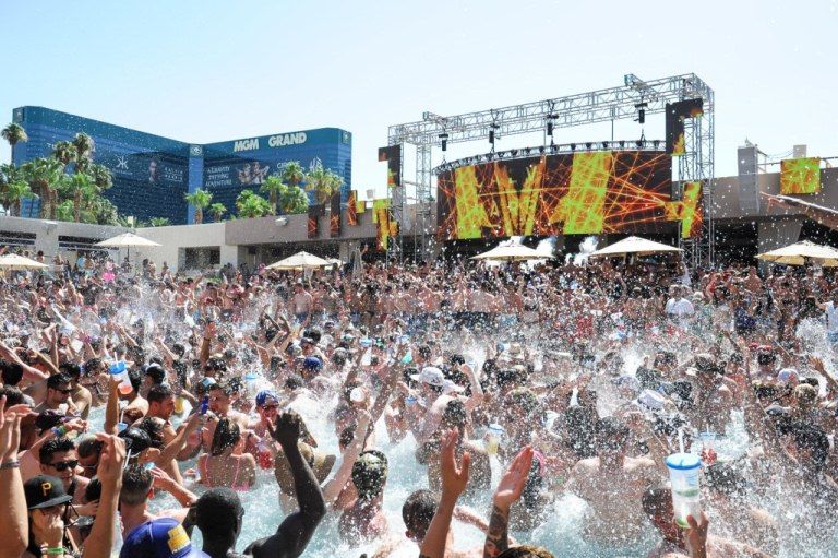 WET REPUBLIC_Brenton Ho of Powers Imagery